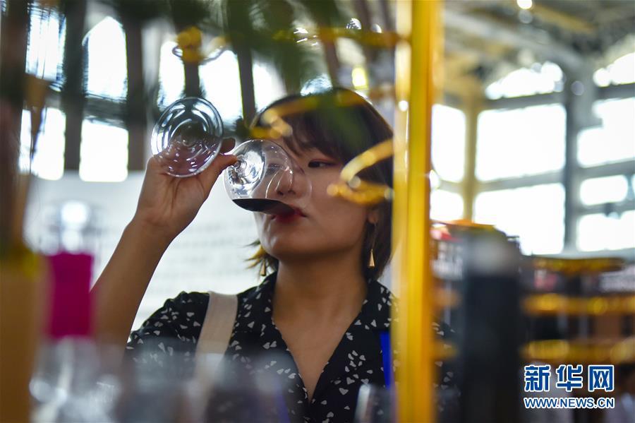(社會)(4)中阿博覽會:特色食品唇齒留香