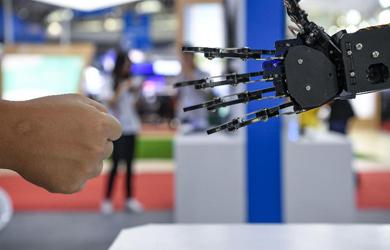 高新技術與裝備展亮相中阿博覽會