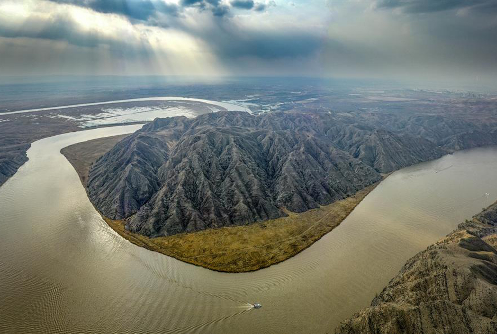 春到青銅峽黃河大峽谷